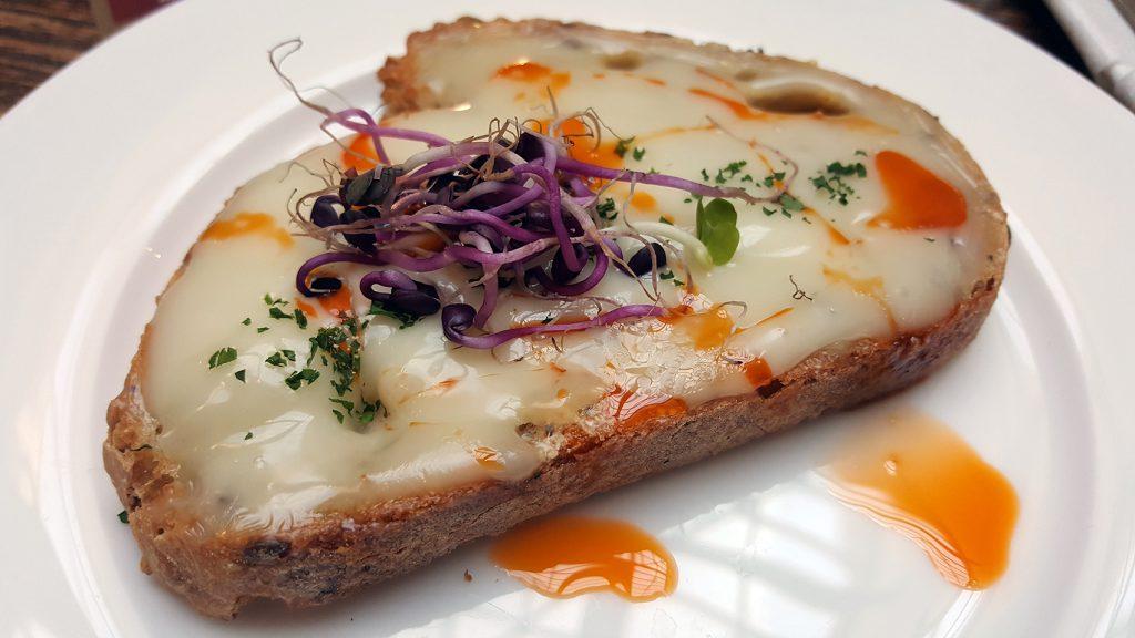 tosta_torta_del_casar